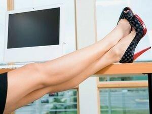 Женские ноги в каблуках